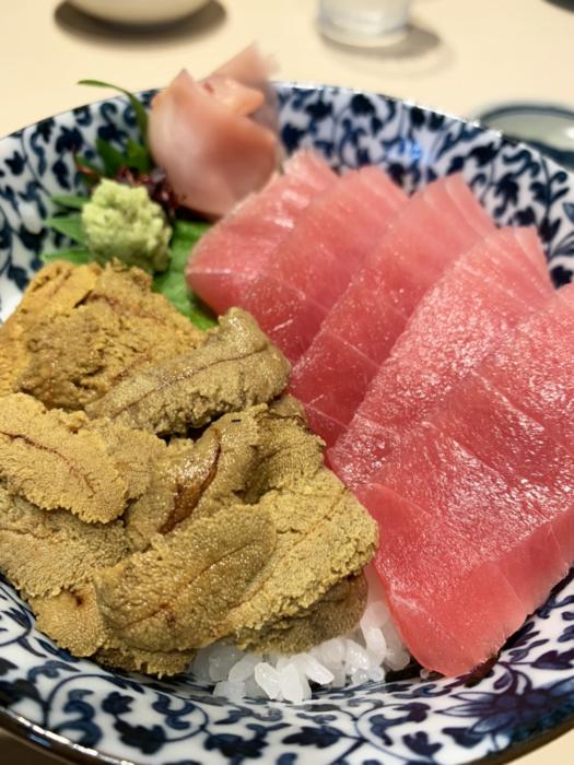 角常食堂のウニとマグロ丼