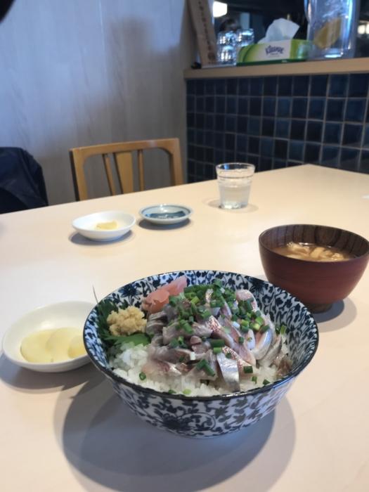 角常食堂のイワシのタタキ丼
